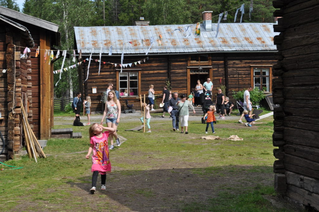 Kids playing at Hägnan